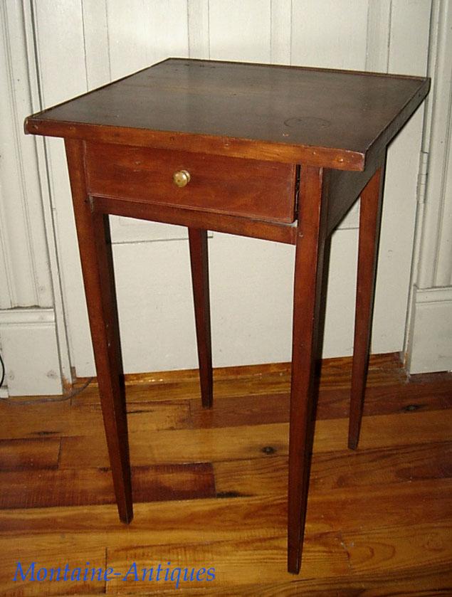 Antique American Hepplewhite Traytop Stand C. 1820