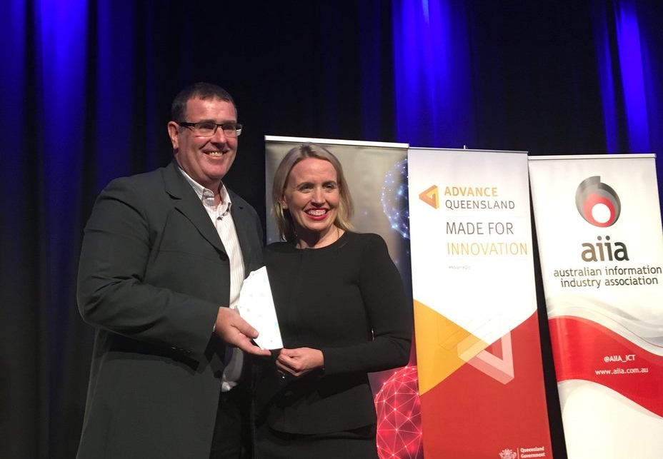 Queensland Minister for Innovation Kate Jones presents the award to Osler CEO Mr Jeff Ayton