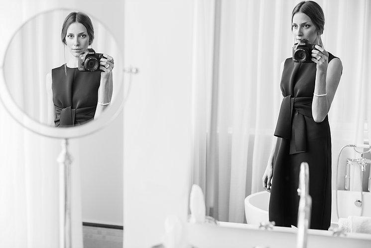 """""""מאוד אהבתי את התוצאה"""".  מתוך תערוכת שנסון לשמלה השחורה קניון רמת אביב (צילום מיטל ויינברג אדר)"""