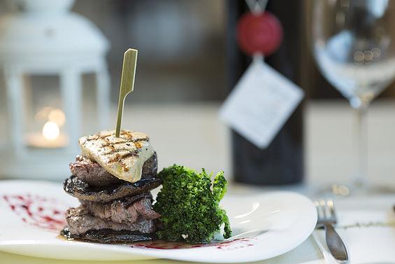 """ארוחת טעימות רומנטית במסעדת """"שף הצוק""""ראש הנקרה (צילום: יעקב מדר)"""