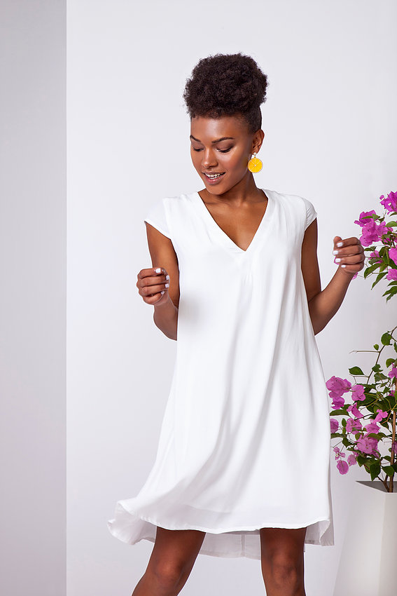 """שמלה לבנה קלאסית, חגית טסה, 569 ש""""ח (צילום: תמוז רחמן)"""
