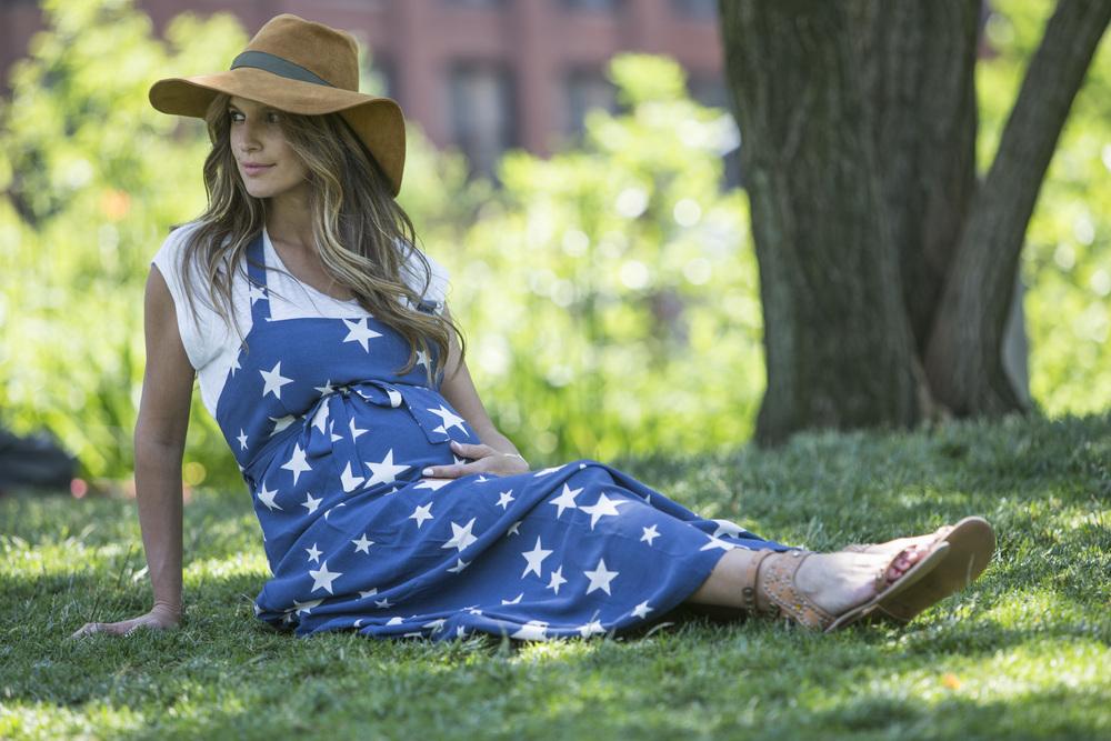 """שמלת סרפן כוכבים """"אבישג ארבל"""". צילום Matan Tzinamon"""
