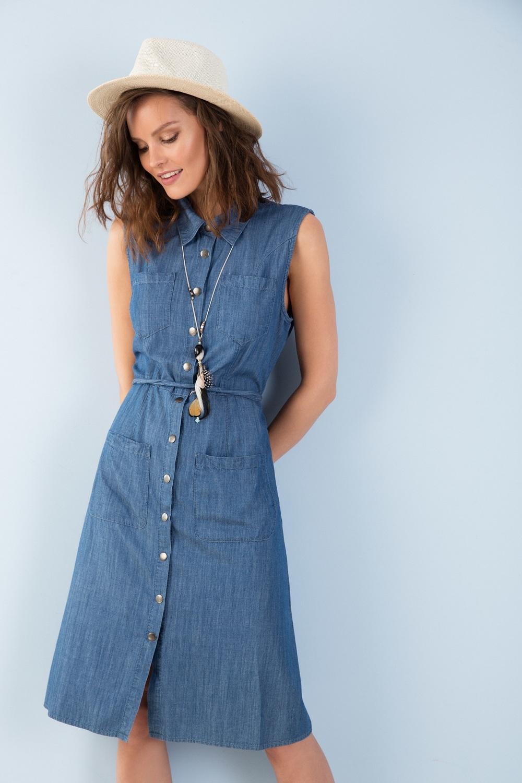 """שמלת ג'ינס של """"לורד קיטש"""" (צילום: איתן טל)"""