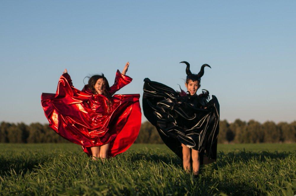 מליפיסנט וכיפה אדומה, אילאיל עיצוב בגדי ילדים (צילום: שירלי גולן)