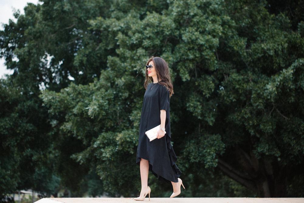 סול לובשת: שמלה - פלאטר בי יונק, תיק ושעון - מייקל קורס, נעליים - נקסט, פאה - רותי סין שלום   סול באינסטגרם