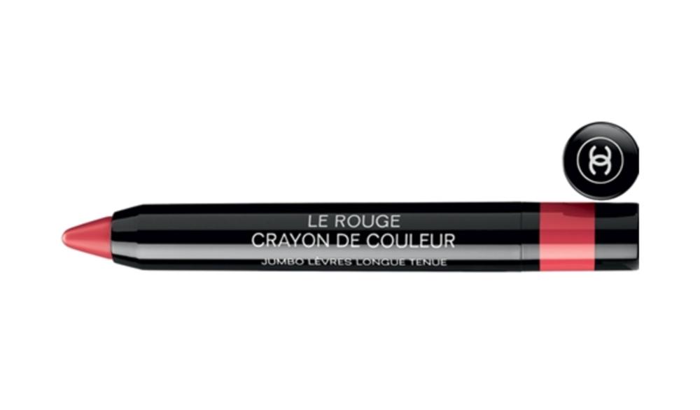 Le Rouge Crayon De Couleur   שפתון צבעוני וכיפי מבית שאנל המעוצב כעיפרון, ומיועד לתיחום השפתיים בקלות וגם לצביעתן כשפתון לכל דבר,240₪