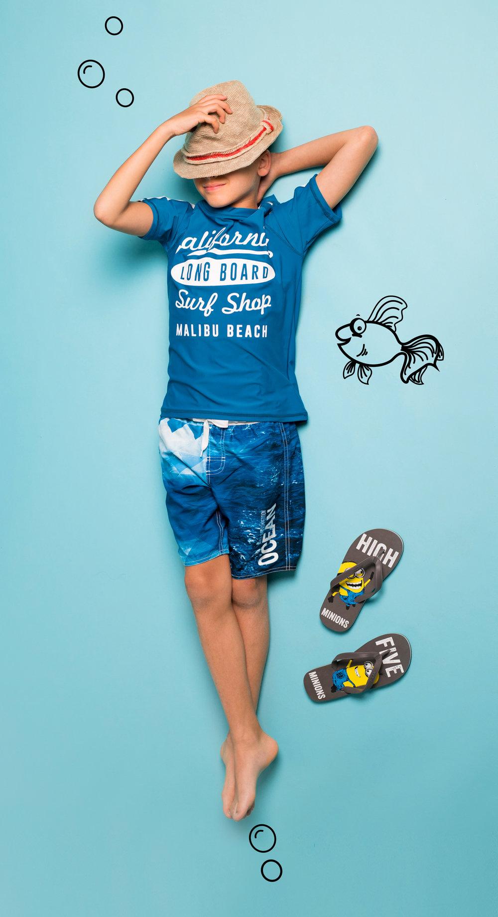 """בגדי ים וחולצה בסגנון """"גלישה"""" FOX KIDS (צילום: עומר הכהן)"""