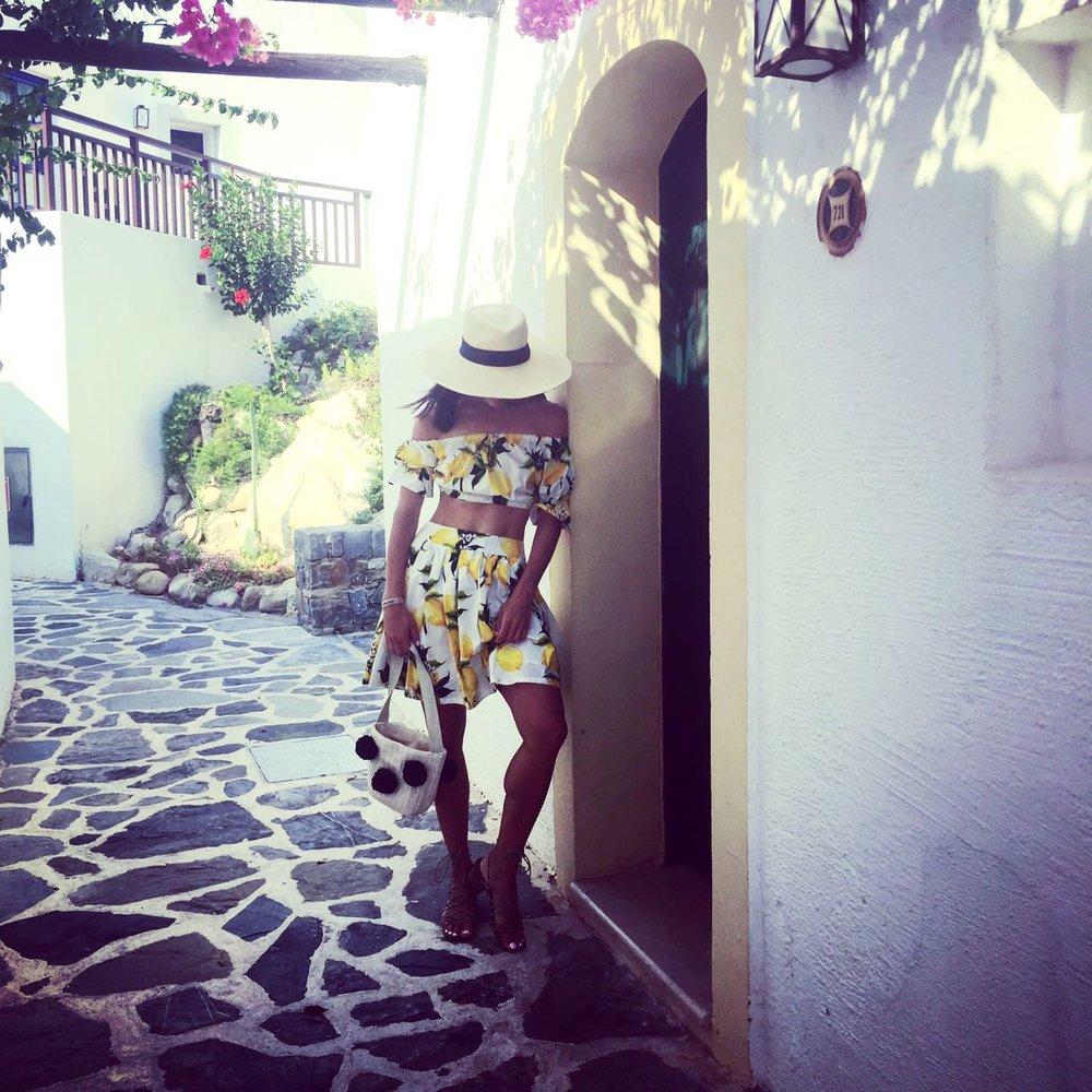 מיטל כץ, יוון
