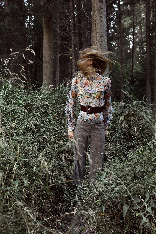 חולצה: H&M, מכנסיים: מאסימו דוטי, חגורה: זארה