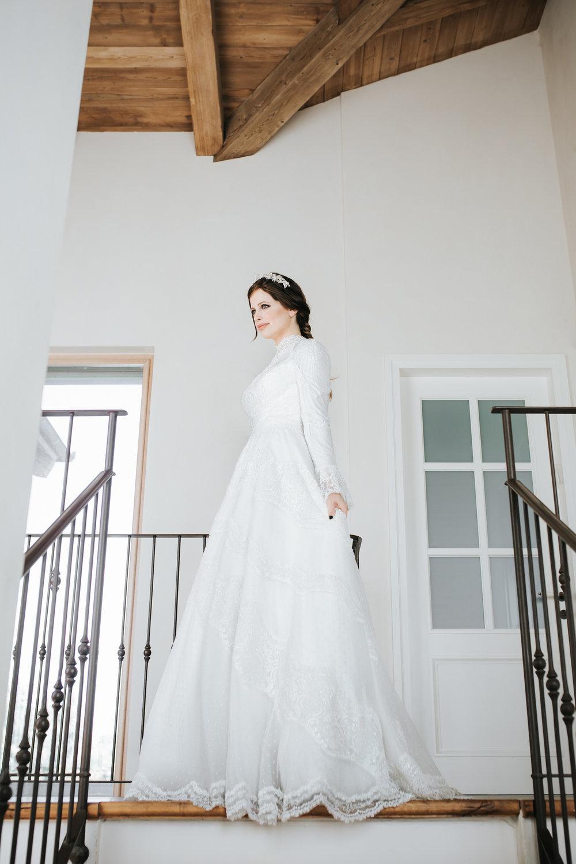 ״קו נקי ועדין״ליבי נחימובסקי בשמלה של חיה אמסלם (צילום: עומר הכהן למגזין IT)