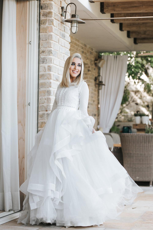 ״אוהבת וואו״חוי חפץ בשמלה של חיה אמסלם (צילום: עומר הכהן למגזין IT)