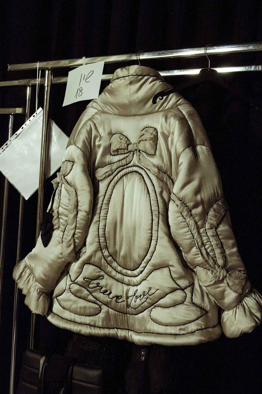 ״המעיל של שון״.pure love מעיל פוך בסגנון בוהו בעיצובו של  ויוי בלאיש , התצוגה הנועלת את שבוע האופנה