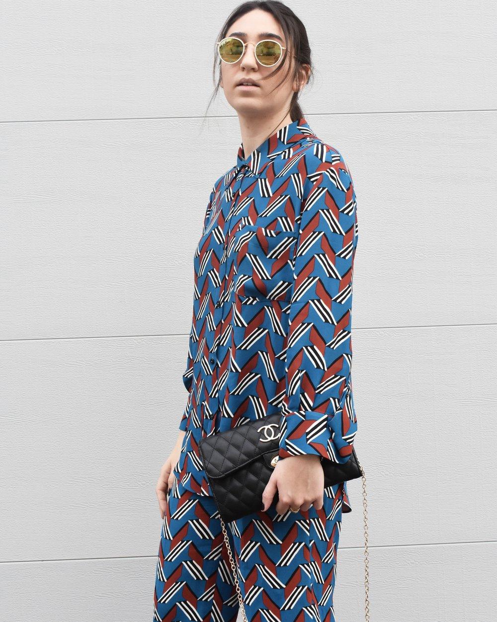 עדן אמנו בלוק המתוחכם  חליפהגיאומטרית ZARA, תיק Chanel, משקפים RAY BAN   עדן באינסטגרם:   edenamano