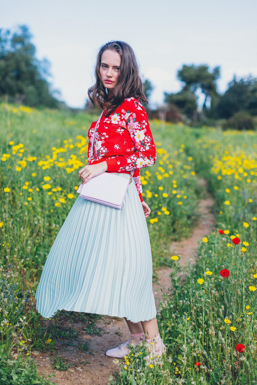 חצאית פליסה, חולצה, תיקונעליים:H&M