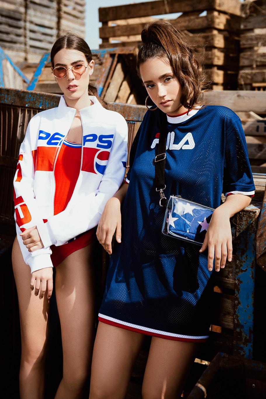 משמאל: בגד גוף אדום BERSHKA, ג׳קט פפסי H&M (צילום: עידן שיסטר)