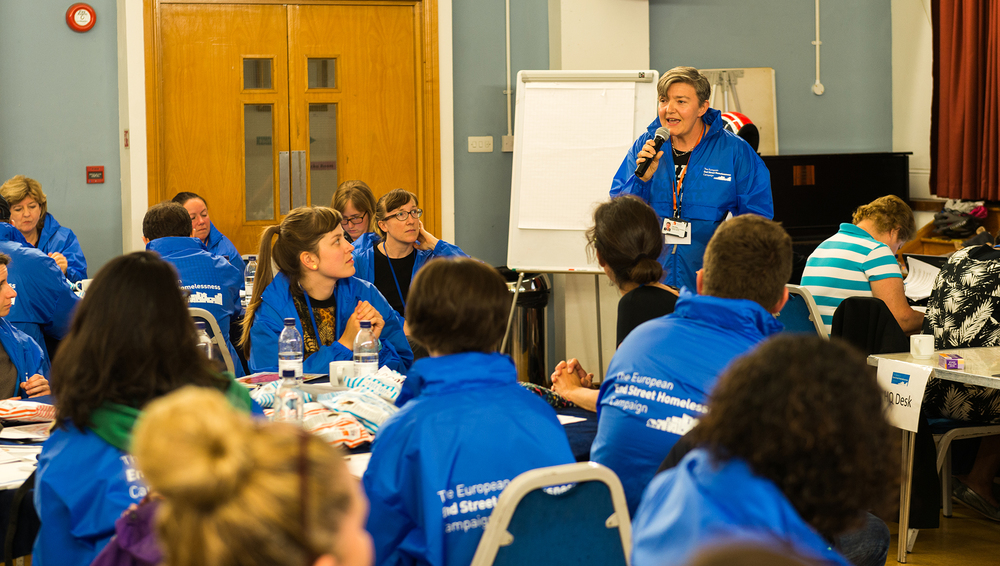 Tues 12 July, 10pm - Petra Salva, St Mungo's, gives a briefing to WHAT volunteers before they head out.