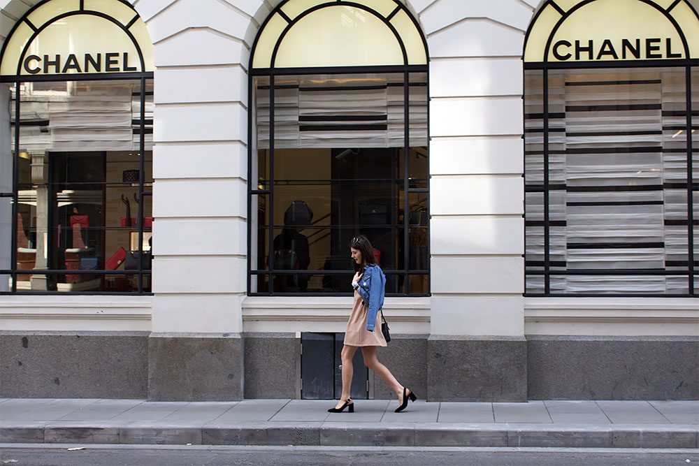 Melbourne city guide, what to do in melbourne, where to eat in melbourne, vegan food melbourne, vegans of melbourne, boohoo, stylefix boohoo, chanel slingbacks, slingback pumps, distressed denim jackets, melbourne street style, doughnut time melbourne, smith and daughters, something more fitzroy, chanel melbourne, see australia, visit melbourne, a weekend in melbourne, melbourne itinerary, food trucks melbourne, welcome to thornbury, food truck park melbourne, moonlight cinema melbourne, travel website, travel guide, city guides, where to go in australia, melbourne or sydney, see australia, we who wander, wewhowander.co, ivana petrovic
