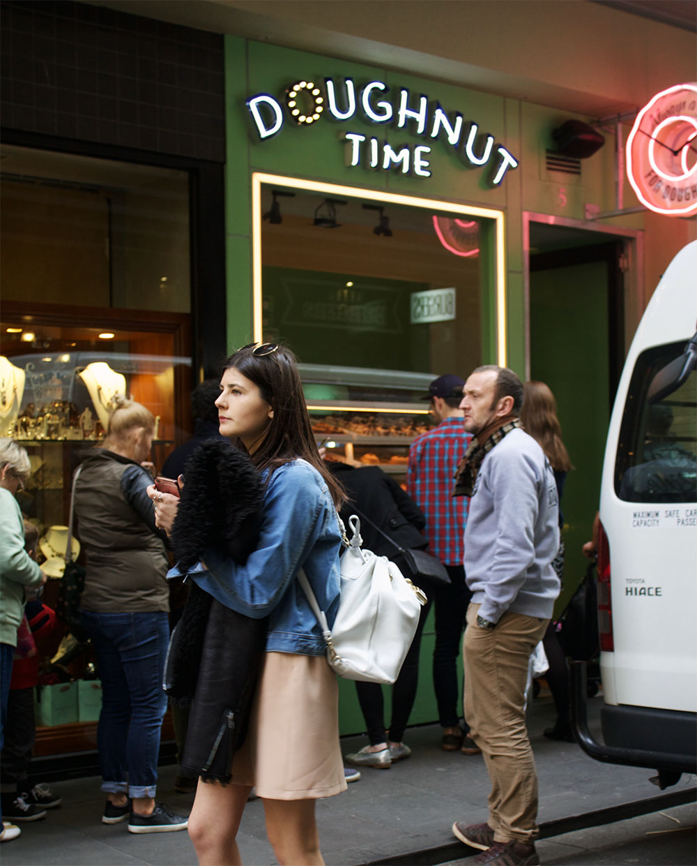 Melbourne city guide, what to do in melbourne, where to eat in melbourne, vegan food melbourne, vegans of melbourne, boohoo, stylefix boohoo, chanel slingbacks, slingback pumps, distressed denim jackets, melbourne street style, doughnut time melbourne, smith and daughters, something more fitzroy, chanel melbourne, see australia, visit melbourne, a weekend in melbourne, melbourne itinerary, food trucks melbourne, welcome to thornbury, food truck park melbourne, moonlight cinema melbourne, travel website, travel guide, city guides, where to go in australia, melbourne or sydney, see australia, we who wander, wewhowander.co, ivana petrovic, the forum theatre, travel bloggers, fashion bloggers, smith & deli