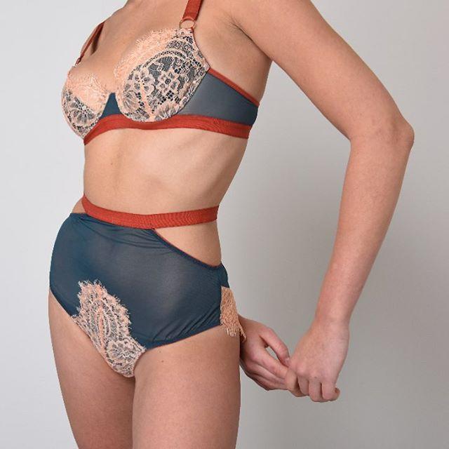 Details of Kaia 💞 photo @jakewestmoreland model @luce_giles #doralarsen