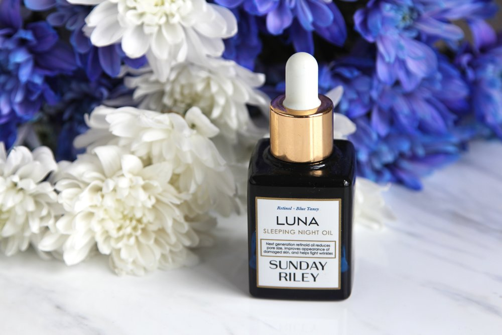 One of my favourite night time oils for my combination oily skin is Sunday Riley's Luna Oil.