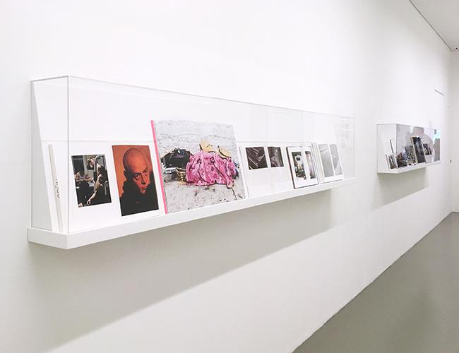 """""""Land ohne Mitte"""" in der Ausstellung der Bibliothek des Fotomuseums Winterthur, noch bis Oktober 2017"""