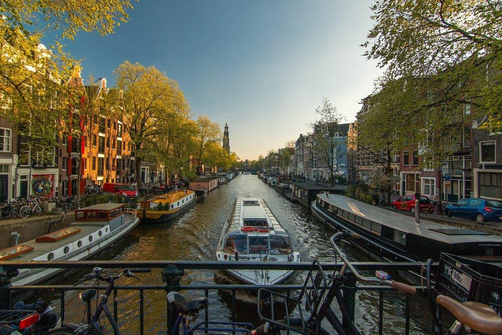 amsterdam-1089646_1920.jpg