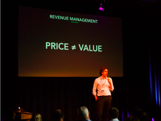 Jens Munch talking pricing at the Hotel Technology Revolution Forum
