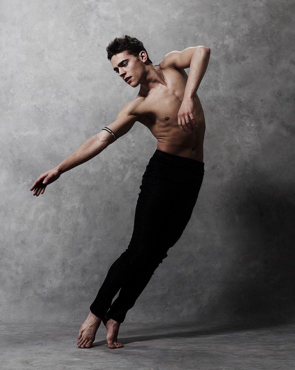 Demetrius Fordham Dance Pose Portrait