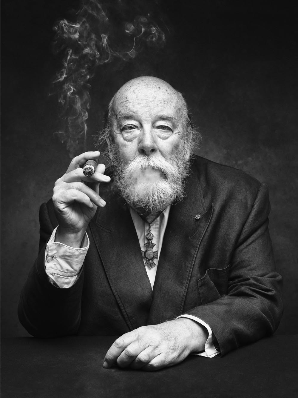 Joe Giacomet Le Bookfolio - bearded man smoking cigar