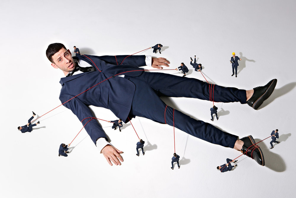 Simon Webb - Man pinned to floor - gullivers travels