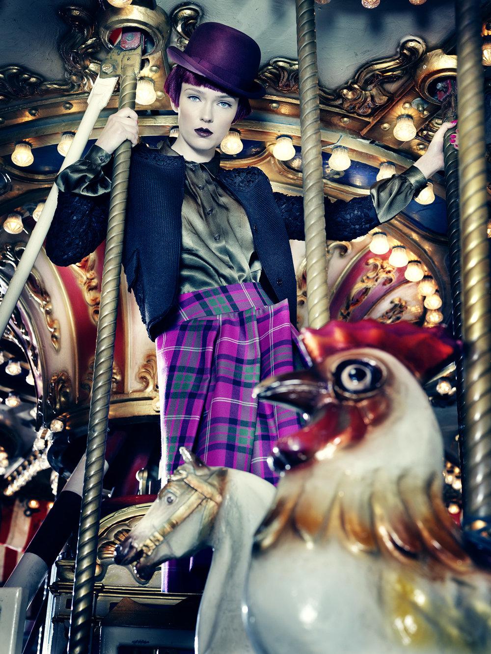 Anatol de cap rouge - merry go round - purple bowler hat
