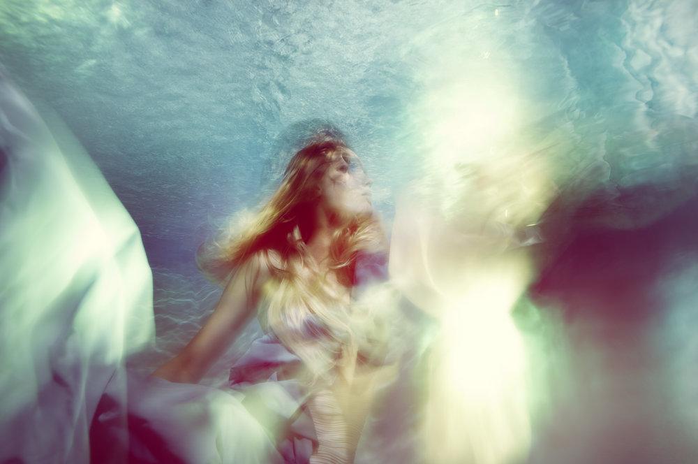 Susanne Stemmer underwater