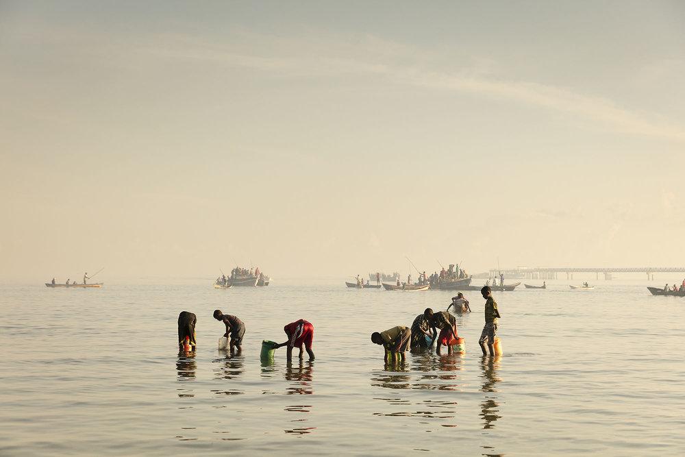 Karan Kapoor - Mafia Island -fishing