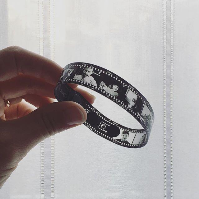 Cone portare i ricordi sempre con te... con un braccialetto Clyck @clyckbracelet - super cute way of keeping your memories close with a Clyck bracelet #clyckbracelet #clyck #ricordi #ricordidifamiglia #memories #jewerly #gioelli #film #pellicola #pretty #creatività