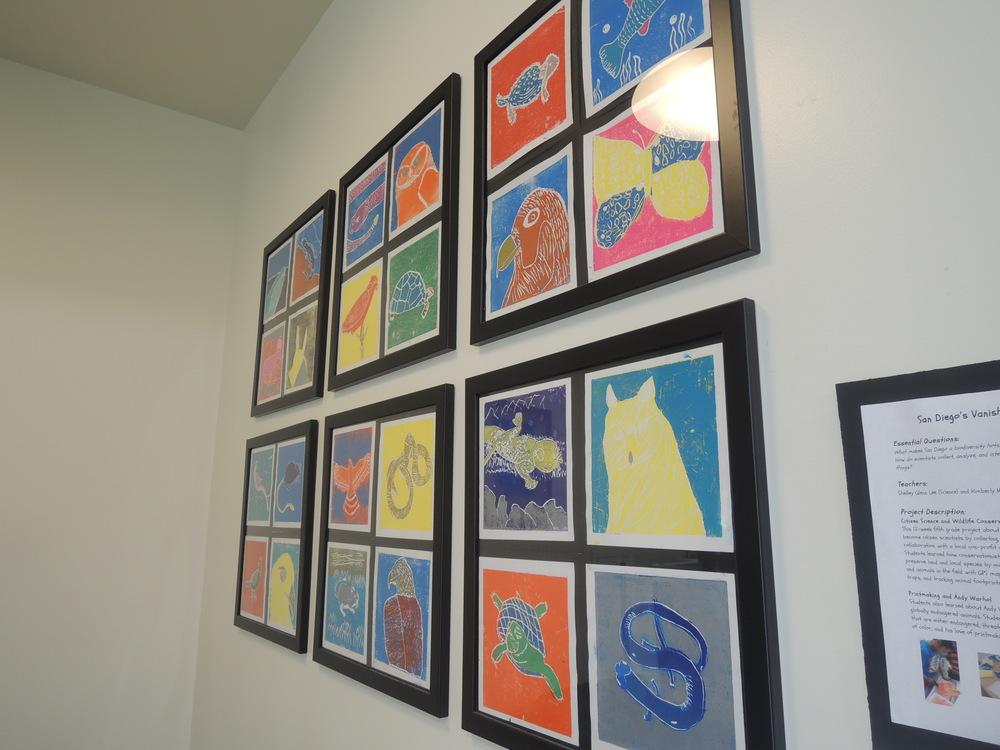 子供達の作ったプロジェクトのアウトプットとして、様々なアート作品が展示されている
