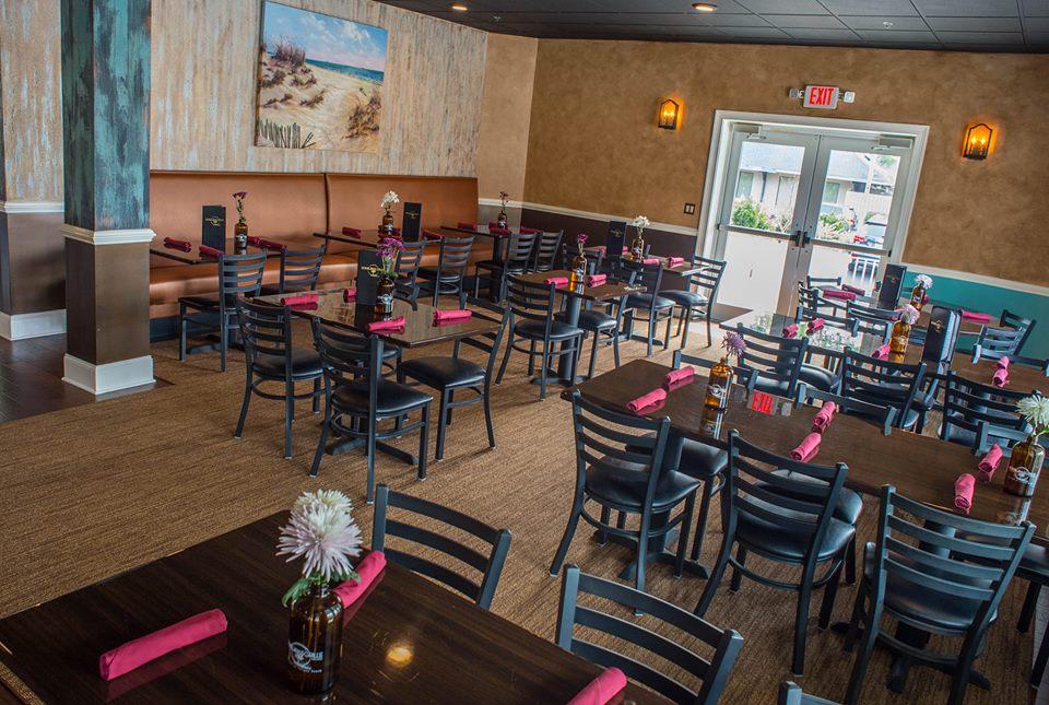 Bomboras Dining area .jpg