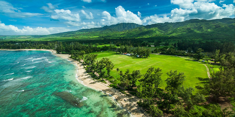 Idyllic location on the beach in Mokuleia at the foot of Oahu's tallest mountain range. Let the games begin!