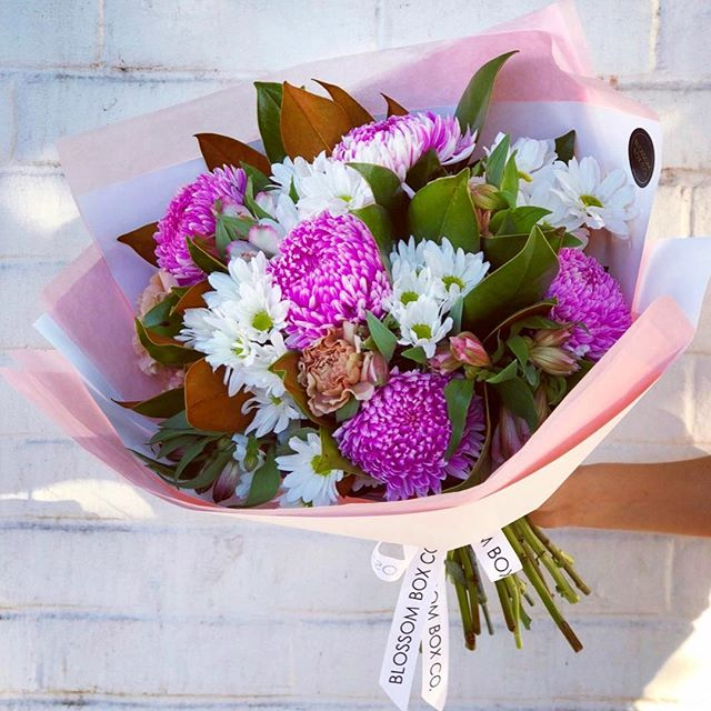 It's Mother's Day week! Make sure you order from our Mother's Day range for this weekend! We're open from 8am - 4pm on Sunday 💗🌸🌿🍃 #mothersday #bouquet #prettyinpink #adelaideflorist #blossomboxcoadl