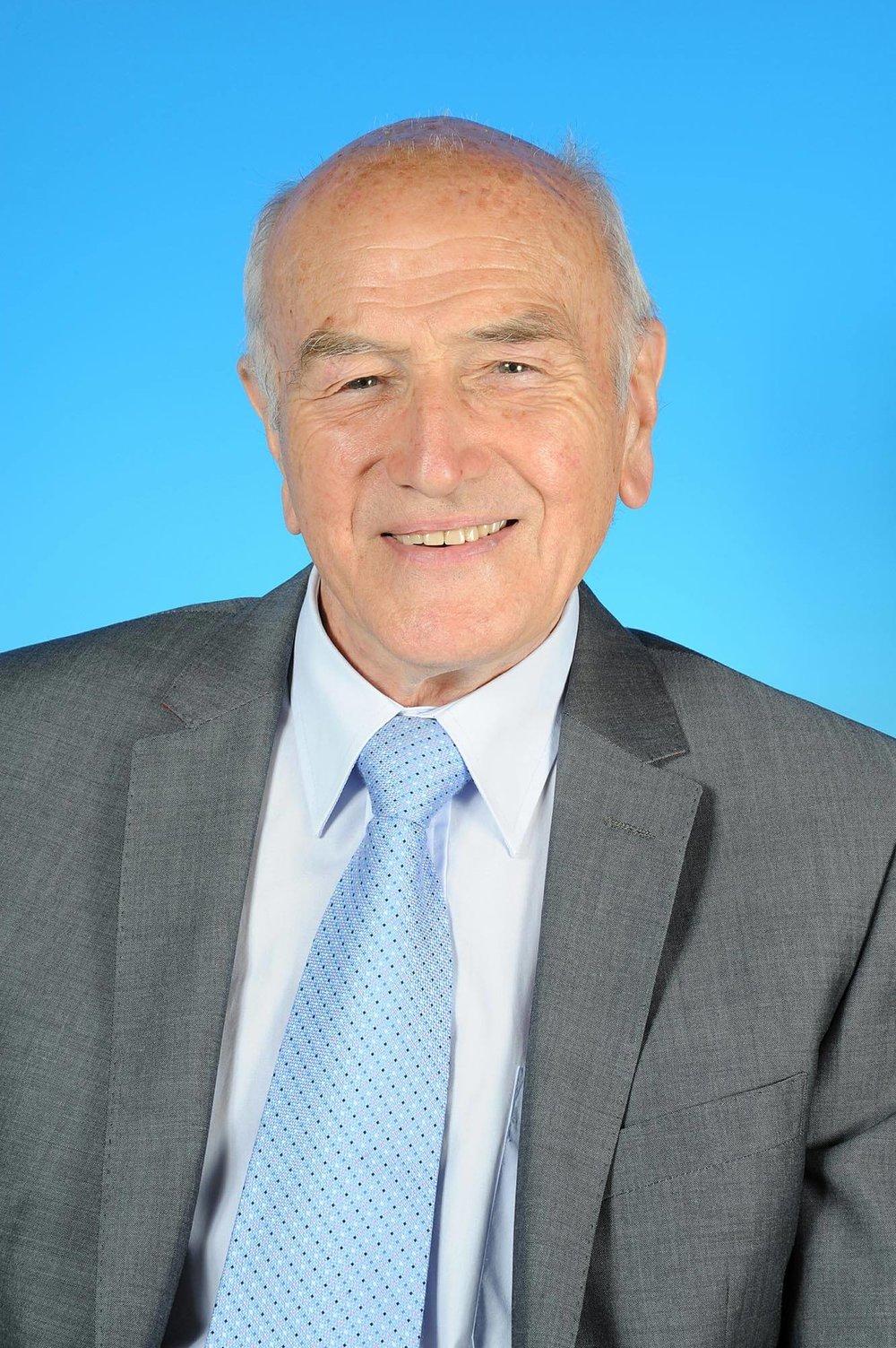 Councillor Ron Allen - photo courtesy of Posers Photographic