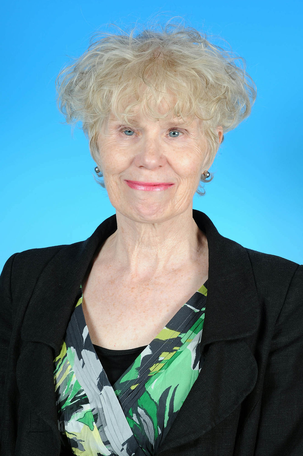 Councillor Sue Hillier-Richardson - photo courtesy of Posers Photographic