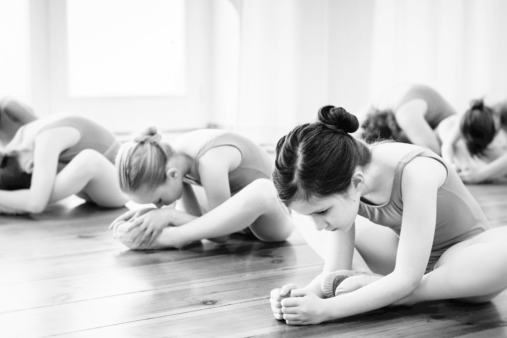 8 jährige Mädchen im Ballettunterricht