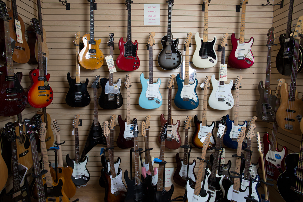 Vintage + Preowned Instruments    SHOP NOW