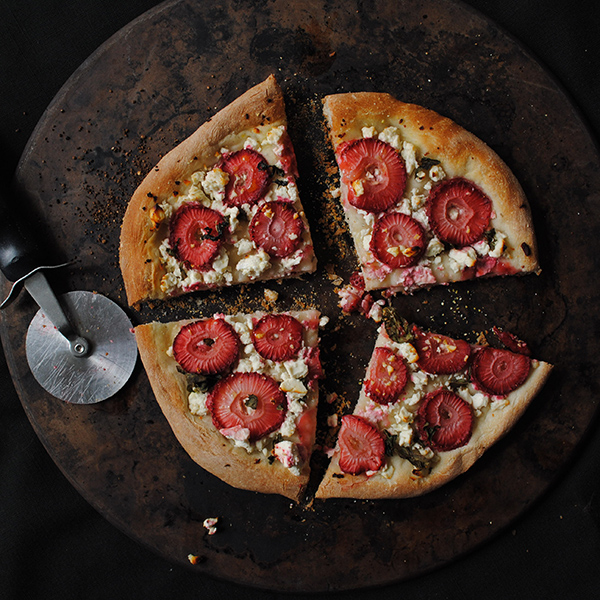 Strawberry-Basil-Feta-Cheese-Pizza3.jpg