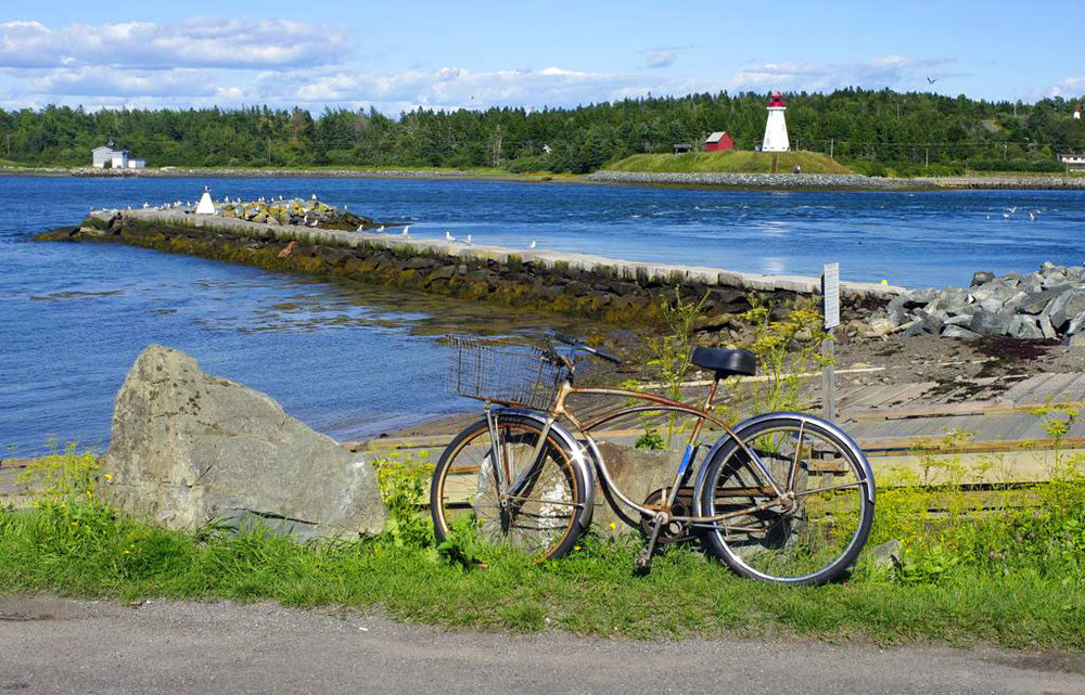 Explore Maine by Bike  is a website supported by the Maine Department of Transportation with downloadable maps and other information.
