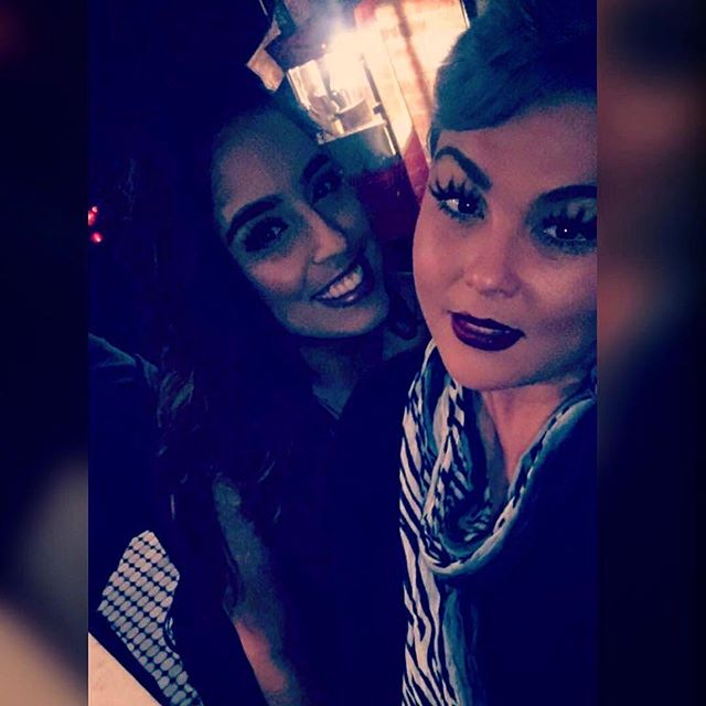 Friday Night #flow at The Anchor! #Repost @drinkswithtasha ・・・ #ladiesnight #drinkswithtasha #helloFriday #tgif #nhv #newhaven #ctdrinks #sexy #cocktaillounge #datenight