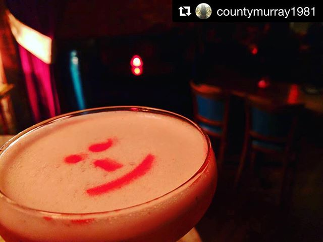 There's no better feeling than unwinding after a long #week with a friendly #cocktail! #tgif #itsfriday  #Repost @countymurray1981 ・・・ Sometimes all you can do is #smile and #wink. #anchorspa #theanchorspa #newhaven #nhv #ctdrinks #cocktails #datenight #nightlife #lounge #vibe #sexy #style