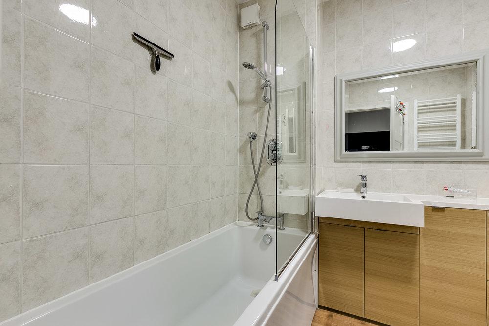 Clevedone House flat 8-5.jpg