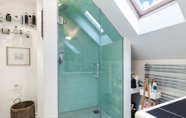 Bol-master-bed-bathroom2.JPG