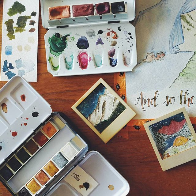 Good afternoon, dearies. So, I'm a bit of a messy person I guess when it comes to painting. Tiny paintings all over the place with some big pieces in process as well because I'm an ADD artist apparently. 😂 More mountain scene ornaments are on the way and I'm thinking these could also be really adorable magnets if there's interest? • • #watercolorpainting #watercolorist #watercolor #primawatercolors #decadentpies #winsorandnewton #customart #customholidaycards #christmaswatercolor #christmasgift #christmasornament #etsyseller #etsyfinds #etsylove #etsyartist #etsychristmas #paintingoftheday #rmnp #longspeak #maroonbells #coloradoart #coloradoartist #denverartist #rockymountains #personalizedornaments #personalizedart #coloradorockymountains #rebeccaryanart