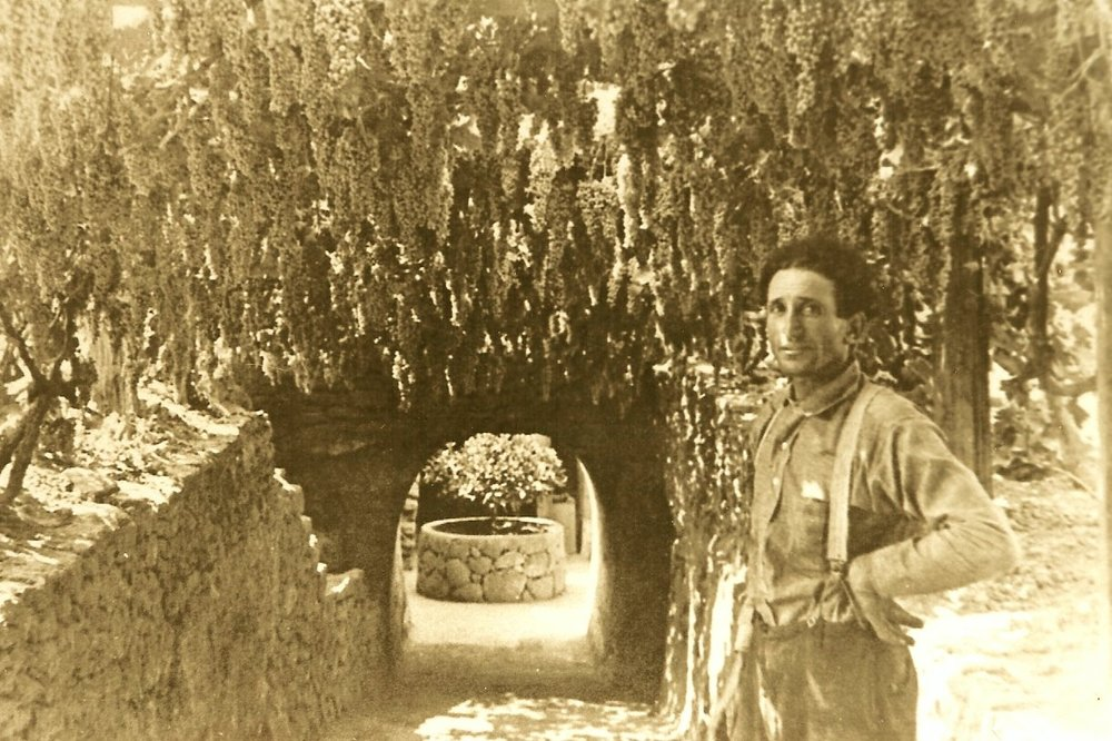Baldassare Forestiere at Entrance circa 1920s.jpg